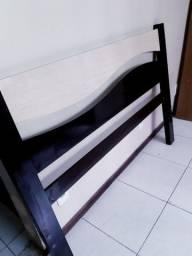 Cama e colchão de casal