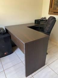 Mesa de escritório / estudo