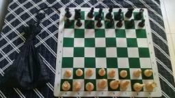 Tabuleiro e jogo de pecas de xadrez
