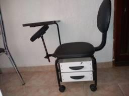 Cadeira de manicure - usada sem nenhum defeito