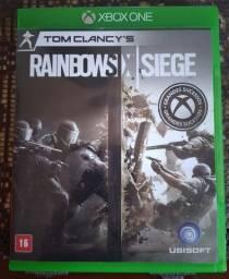 Jogo Rainbow Six Siege - Xbox One (mídia física)