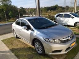 Honda civic 1.8 LXS 2014 carro impecável com as revisões em dia