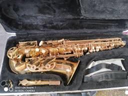 Sax alto Benson usado