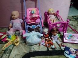 Vendo várias bonecas ótimo estado
