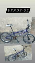 Bicicleta BMX 350$