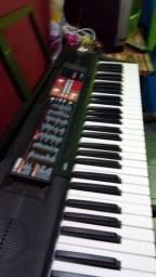 Título do anúncio: Vende um lindo teclado novo psr51