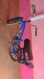 Título do anúncio: Vendo bike aro 20 montadinha / valor 650 /