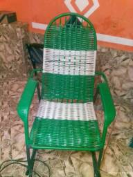 Cadeira de embalo, cadeira de escritório e mesa de 6 cadeiras