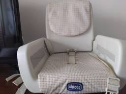 Cadeira de alimentação portátil Chicco semi nova