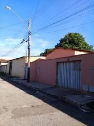 Vendo ou troca casa, 2 barracão no fundo no Parque Tremendão