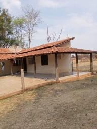 Título do anúncio: Chácara 20mil m2, 2 Casas Simples, 2 Dormitórios, Pasto, Lago com Peixes, Chiqueiro, Ranch