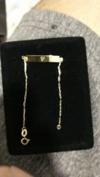 pulseira de placas em ouro
