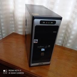 CPU dual core SSD  4 de ram placa vídeo e wireless