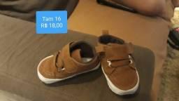 Calçados de bebê semi novos