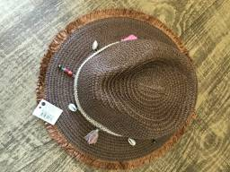 chapéu de palha marrom