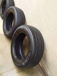 Título do anúncio: 02 pneus 205/60R15 e um 195/60R15