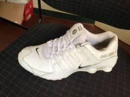 Título do anúncio: Vendo tênis Nike shox
