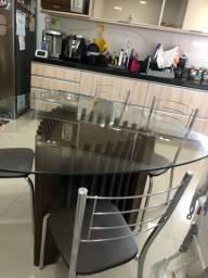 Mesa de jantar triangular