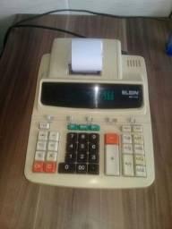 Calculadora eletrica de mesa.