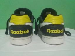 Tênis Reebok masculino número 35 preço negociavel