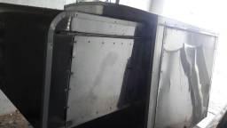 Kit de sanduíches, estava em uma caminhonete Montana, custou 8.000,00 vendo por 1.500,00