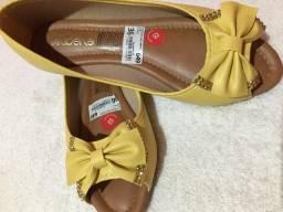 Sapatos (n 36 ) e (n35) leia