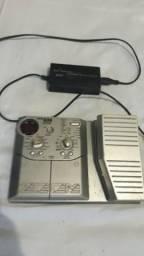 Vendo pedaleira Zoom 606 com pedal wawa e volume (valor;250$)