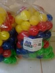 Vendo 500 bolinhas p/ piscina de bolinhas