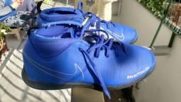Tênis Nike chuteira nr 32