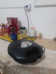 Sanduicheira elétrica Faet