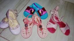 Lote com 4 pares de sapatinhos infantil