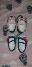 2 sapatinhos de menina