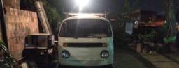 Kombi troco por carro de passeio no valor de 10 a 15 mil