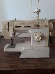 Máquina de costura singer pret a porter