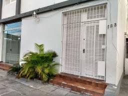Casa COMERCIAL no bairro de Casa Amarela