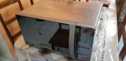 Vendo forno microondas para retirada de peças