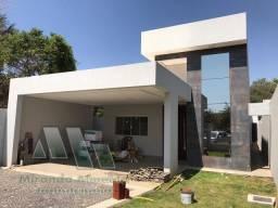 Casa com fino acabamento na Rua 03 da Vicente Pires, ao lado da Via Estrutural