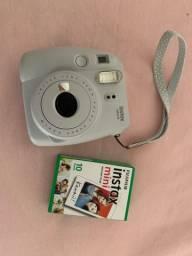 Câmera Polaroid Instax Mini 9 Fuji com Caixa de Filme Fechada