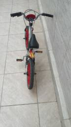 Bicicleta infantil homem de ferro
