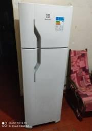 Refrigerador Electrolux 260 Litros !!! Sem Uso + NF E Garantia De 1 Ano