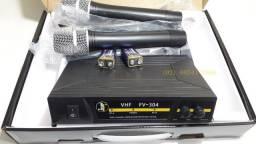 Kit Dois Microfones sem fio VHF, com alcance de até 50m, dois canais distintos