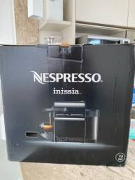 Cafeteira Nespresso Inissia preta 110V