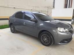 Carro Renault Logan