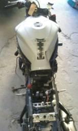 Título do anúncio: Sucata de moto para retirada de peças Suzuki Srad 750 2012/2013
