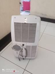 Vendo ar condicionado Philco branco novo 3 mês de uso