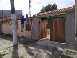 Casa para Locação em São Gonçalo, Trindade, 2 dormitórios, 1 banheiro, 2 vagas