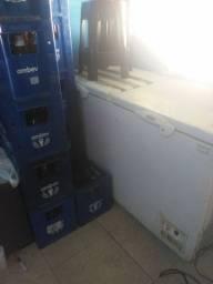 2 frizer 17 grades de litrao de Brahma 6 litrinho de Brahma 15 bancos de pvc