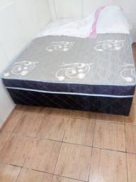 Vendo uma cama box casal