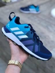 Título do anúncio: Tênis Adidas Kanadia Tr8