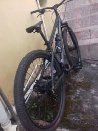 Vendo bicicleta aro 29 R$1.900